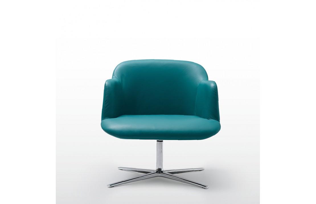 Deep armchair with 4-star base