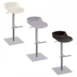 Kaleidos stool with footrest
