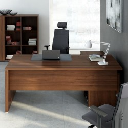 Executive desk with managerial side storage Quando