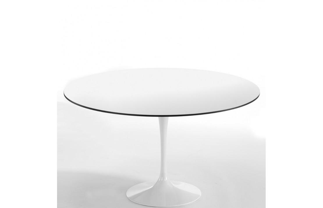 Saturno round table in aluminium