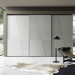 Sliding wardrobe with glass and lacquered door - Diagonal