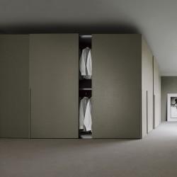 Sangiacomo sliding wardrobe with metal handle - Liscia Assisa