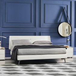 Bed covered in synthetic or real leather - Aliante 3.0