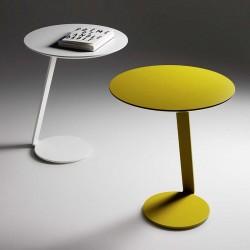 Giro tavolino in metallo laccato