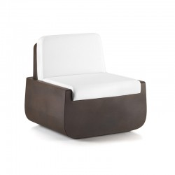Bold armchair in polyethylene with cushion