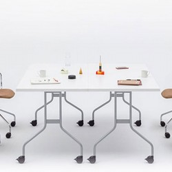 Folding meeting table - Easy