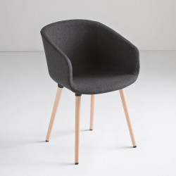 Upholstered chair with wooden legs - Basket
